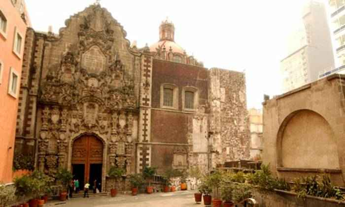 Destacan iconografía de la arquitectura religiosa mexicana
