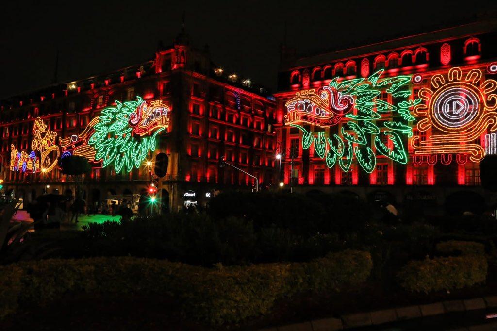 Iluminan el zócalo para conmemorar 500 años de resistencia indígena
