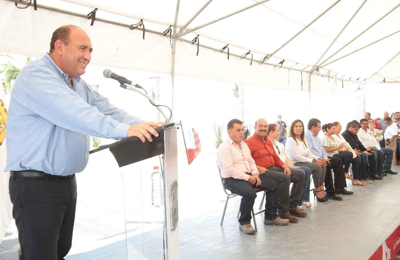 Entregan obras de beneficio social en Coahuila