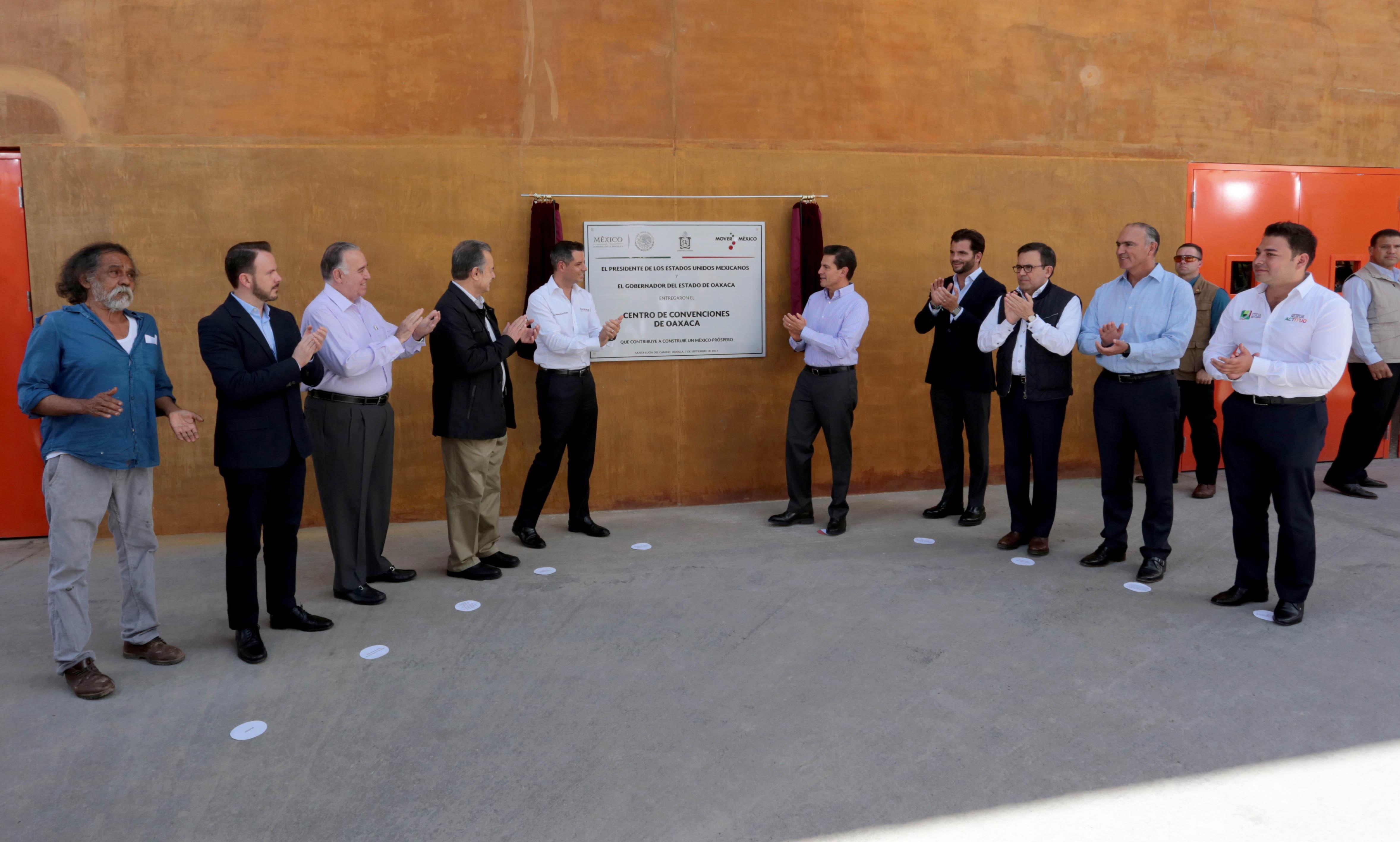 EPN inaugura el Centro Cultural y de Convenciones de Oaxaca