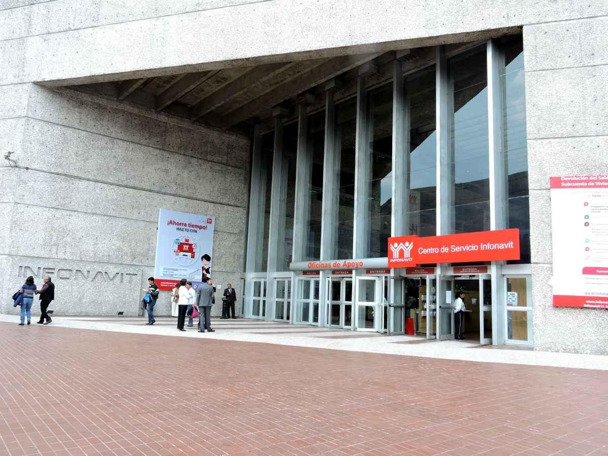 Carolina charbel nueva delegada infonavit en el vm - Centros unico oficinas centrales ...