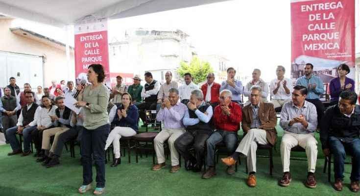 Entregan obras comunitarias en Toluca