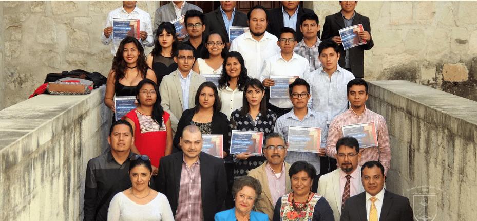 Estudiantes de Arquitectura de Oaxaca entregan proyecto al INAH