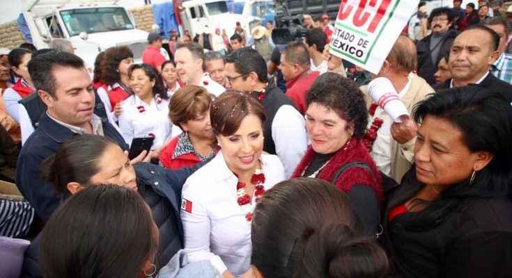 Entrega Rosario Robles mil acciones de apoyo a la vivienda