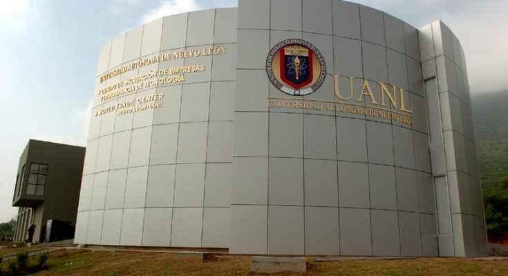 Expertos analizan legado y riqueza arquitectónica de la UANL