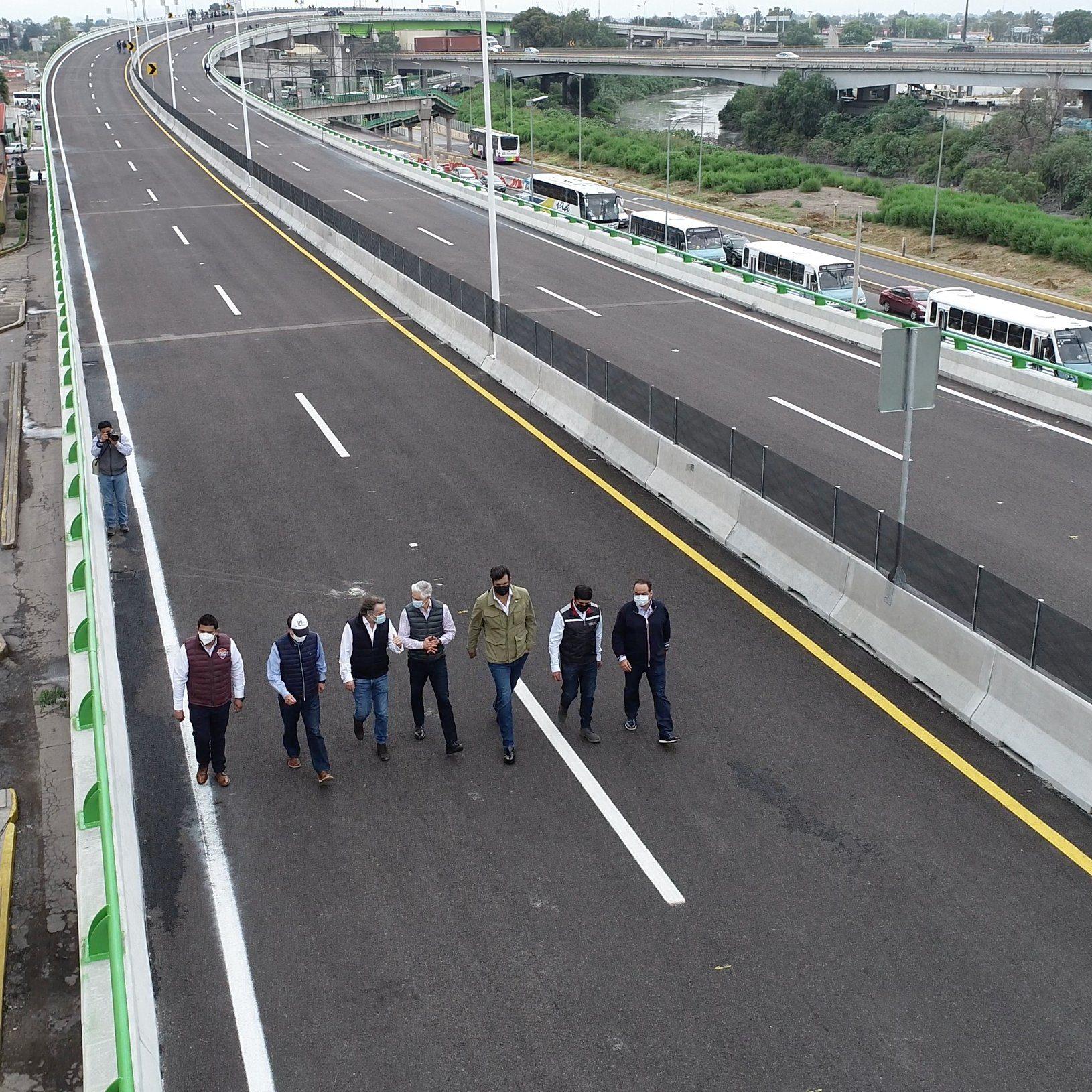 """Inauguran en Edomex autopista """"Siervo de la Nación"""""""