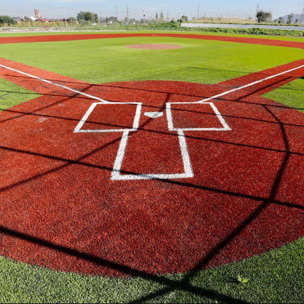 Inauguran campo de beisbol en Parque Cuitláhuac de Iztapalapa