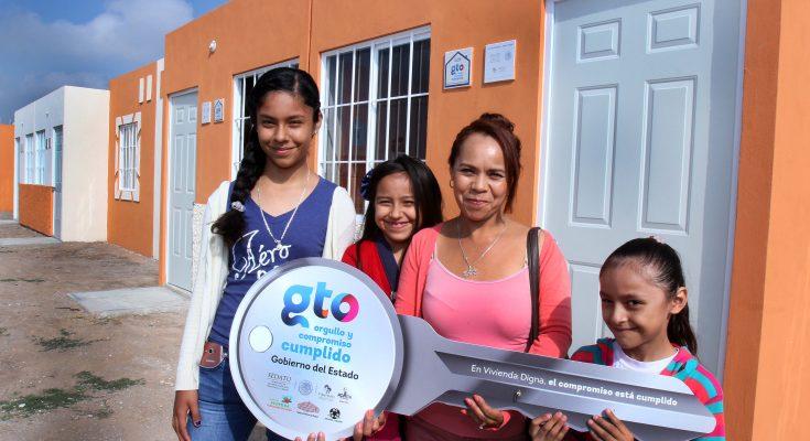 Gobierno federal entregó 46 viviendas nuevas en Guanajuato