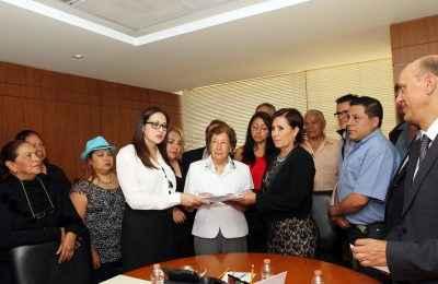 Piden a Sedatu rehabilitación vecinos de Unidad Tlatelolco