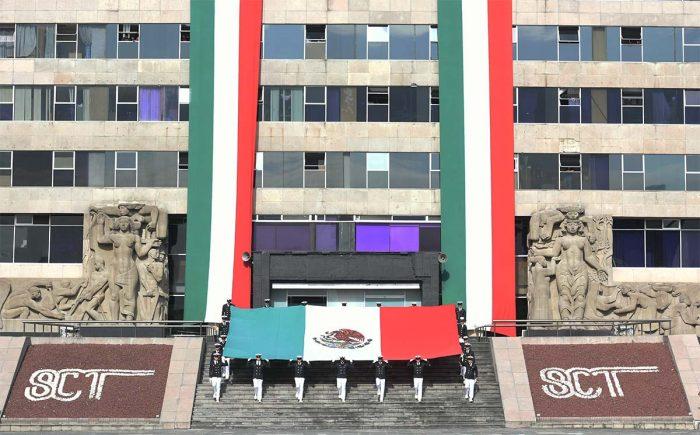 Edificio de la SCT en espera de dictamen