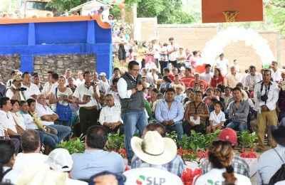 Entrega Fonhapo subsidio para autoconstrucción en SLP