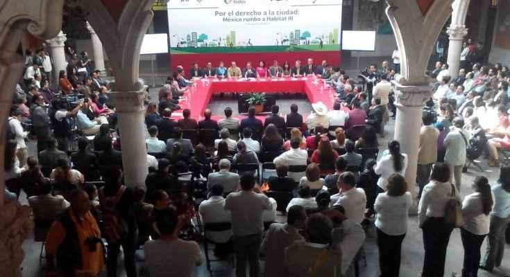 El objetivo es construir ciudades compactas y sustentables: Robles