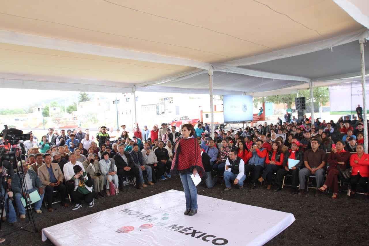 Con EPN hay más vivienda: Robles Berlanga
