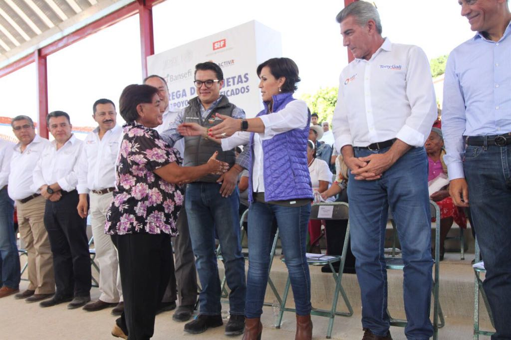 Comienza entrega de tarjetas para reconstrucción en Puebla