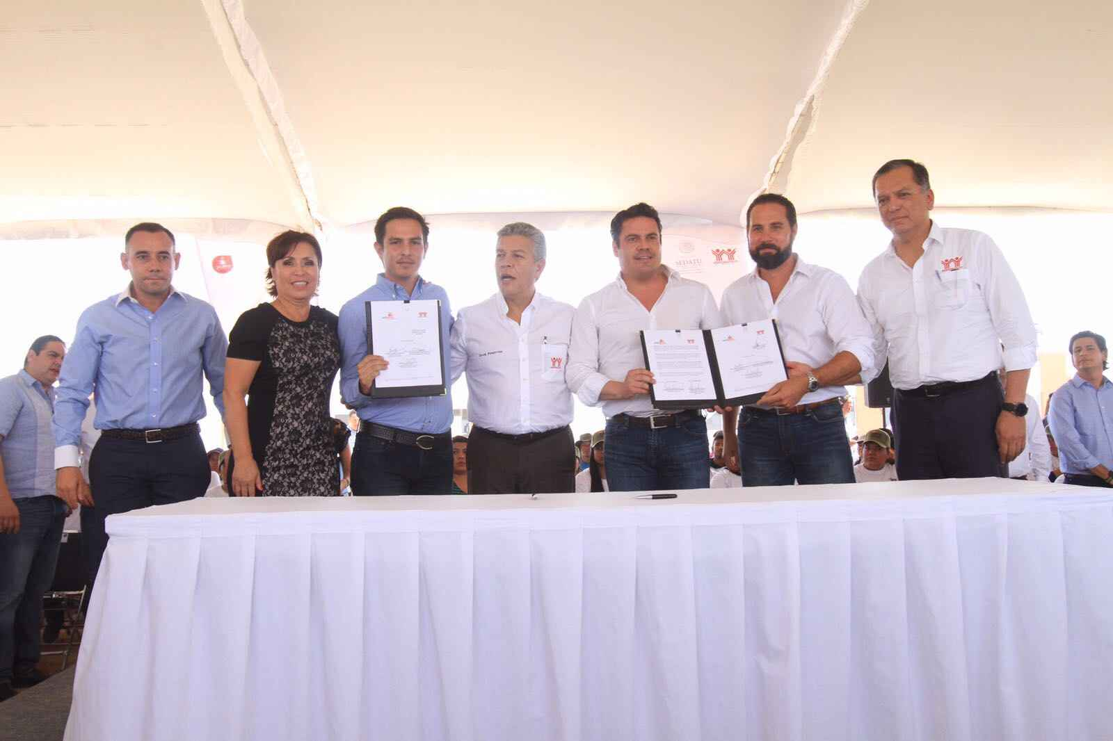 Jornaleros de Jalisco e Infonavit firman convenio