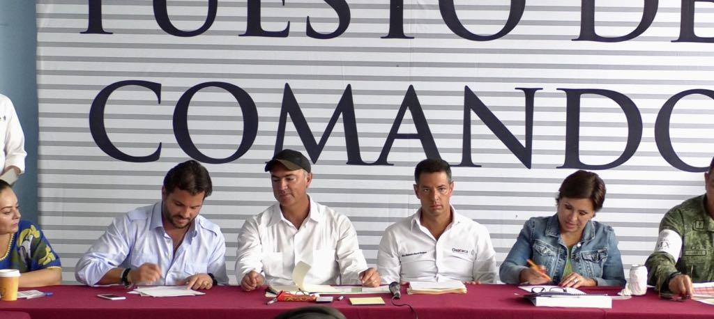 Sedatu y Sermantat firman convenio para depósito de escombros