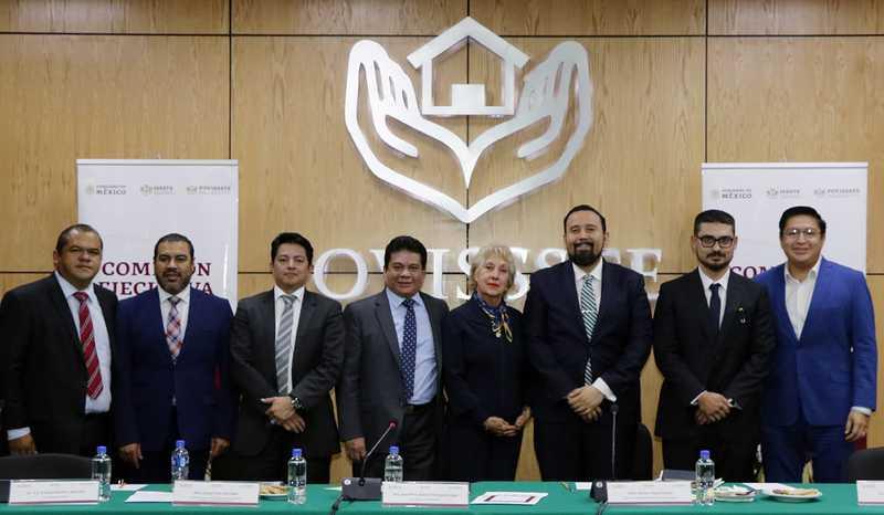 Presenta Agustín Rodríguez a equipo que lo acompañará en Fovissste