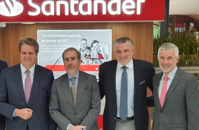 Santander abre su primer mini sucursal en Samara