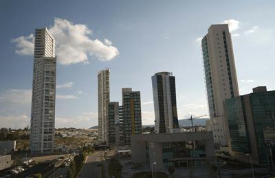 en-ascenso-construccion-de-vivienda-vertical-en-guadalajara