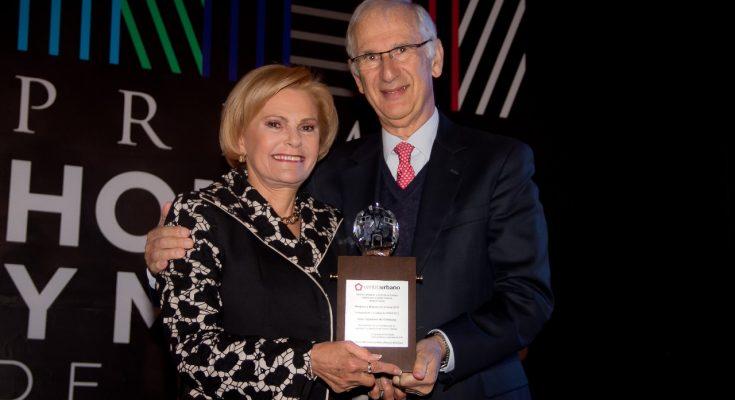 Con la entrega del Premio HyM, destacan trayectoria de la arquitecta Sara Topelson