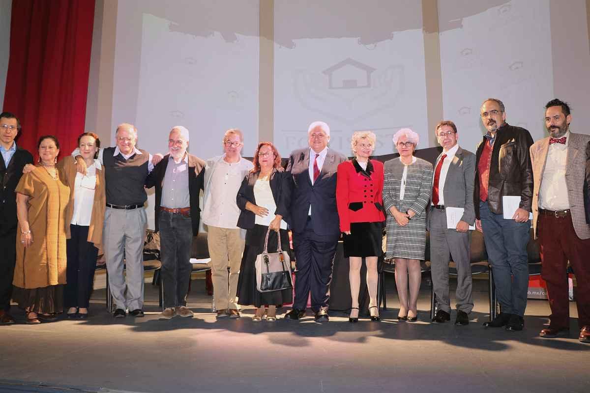 """Presenta FOVISSSTE el libro """"54 poemas sobre la casa"""""""
