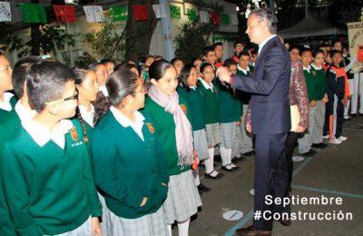 #LoMejorDelAño Alrededor de 10,000 escuelas resultaron con afectaciones tras sismos