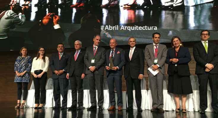 Javier Sordo Madaleno recibe Premio de Arquitectura