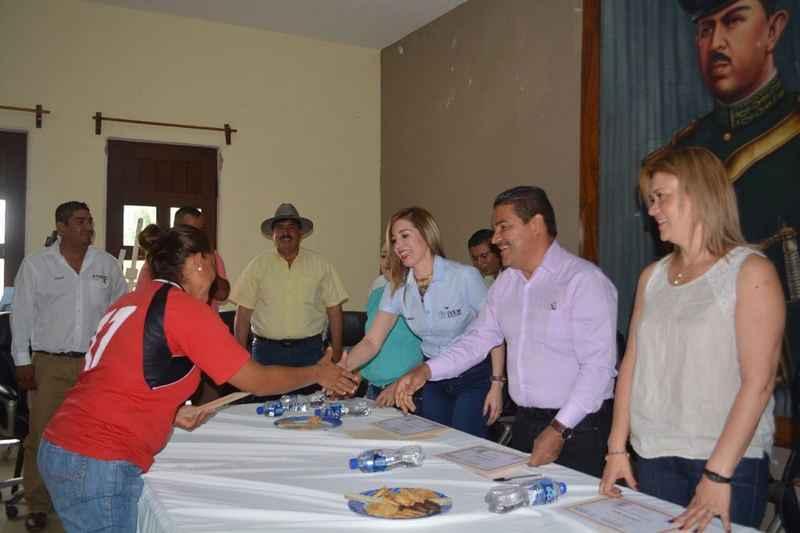 IVEM inicia construcción de vivienda en la zona de Parácuaro