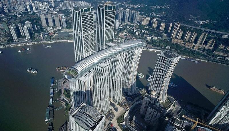 Inauguran Crystal, el rascacielos horizontal más alto del mundo