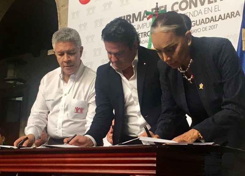 Infonavit va por 45,000 créditos en Jalisco