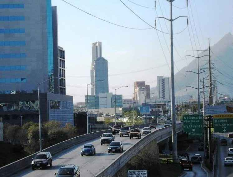 Planean interconexión en Monterrey de Valle Oriente-Macroplaza