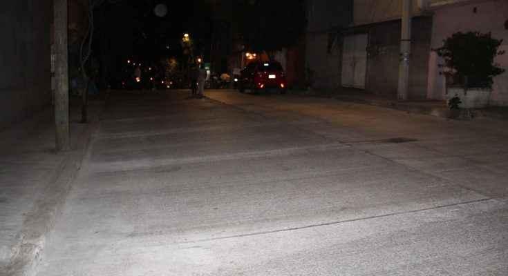 Entregan en Iztapalapa obras de pavimentación