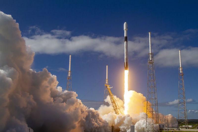 México y Rusia firman convenio de colaboración en proyectos espaciales
