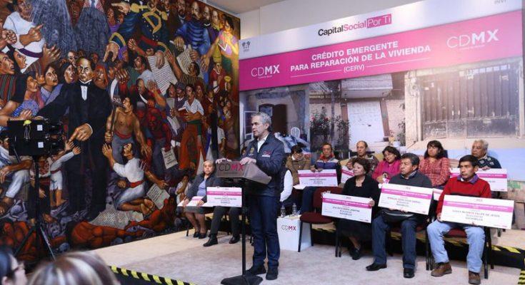 Entrega Mancera apoyos para reconstrucción de vivienda