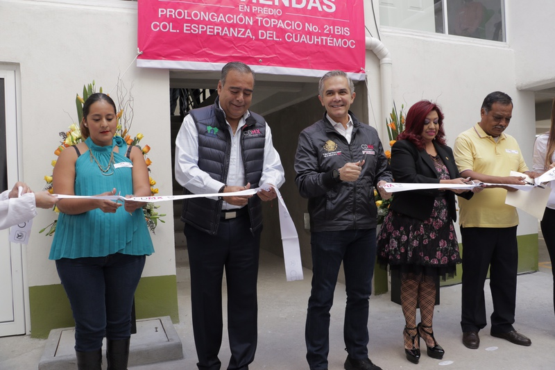 Entrega Mancera 57 viviendas en la Cuauhtémoc