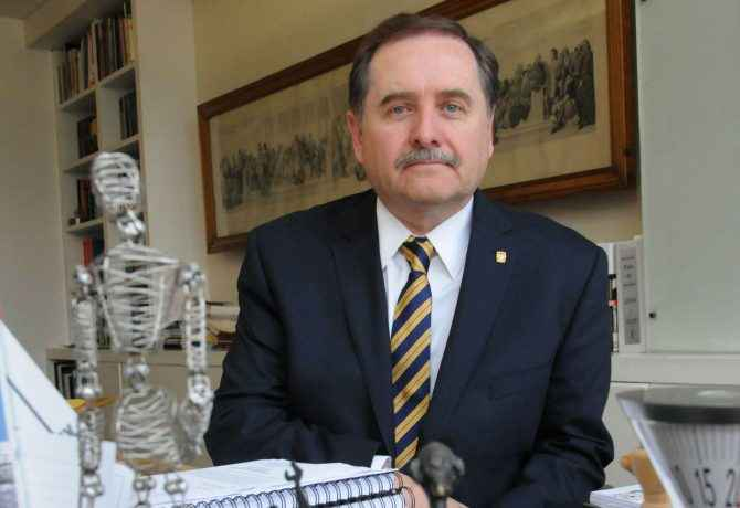 Marcos Mazari Hiriart asume dirección de la Facultad de Arquitectura de la UNAM