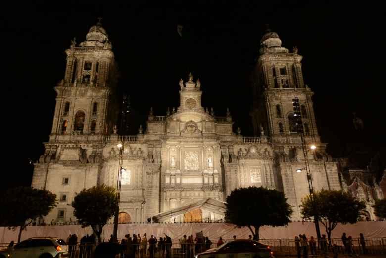 Resaltan belleza arquitectónica de la Catedral Metropolitana de la CDMX