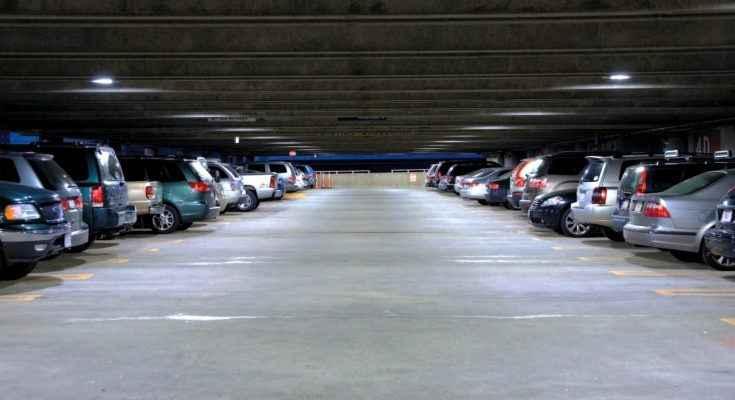 Buscan cambiar política de estacionamientos en la ciudad
