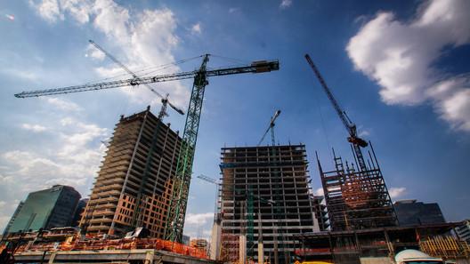 Freno inmobiliario detuvo inversión por 7,200 mdd