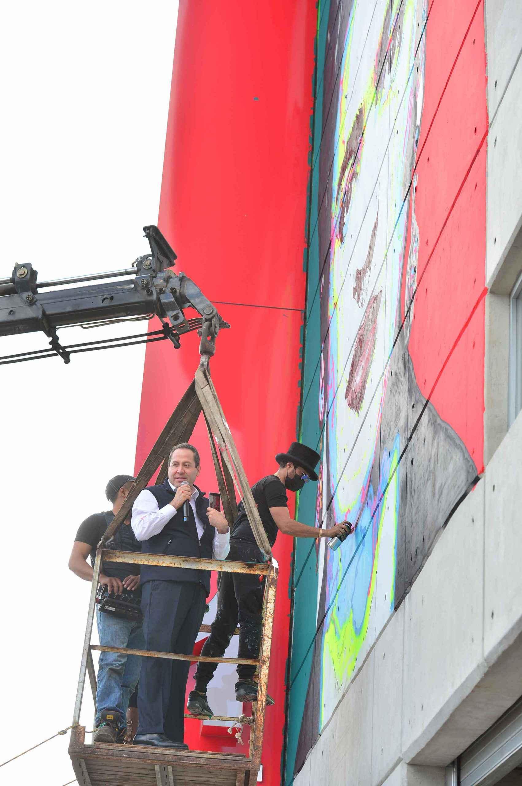 Realizan mural La Frida de Ecatepec