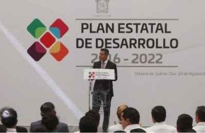 Presentan Plan Estatal de Desarrollo 2016-2022 en Oaxaca