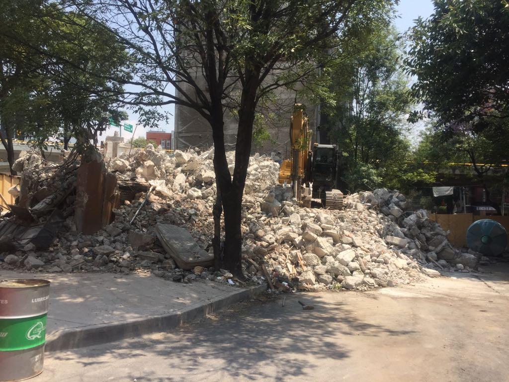 Concluyen demolición en Melchor Ocampo 288