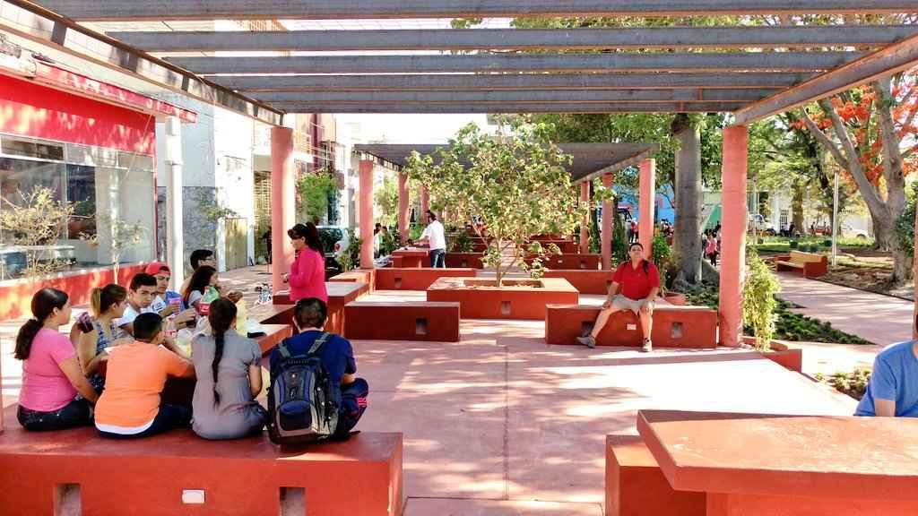 Guadalajara mejora imagen urbana del Parque Revolución