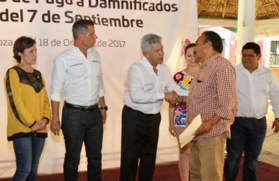 Entregó Infonavit seguros de daño en Oaxaca