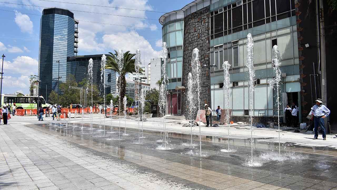 Transforman estacionamiento privado en plaza pública en zona de Mixcoac