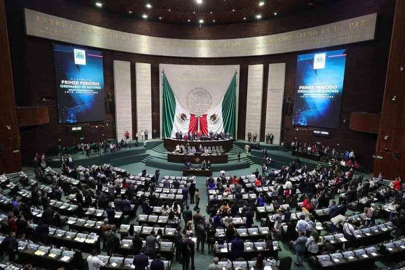 Posponen aprobación de reforma al Infonavit para el 20 de octubre-Diputados
