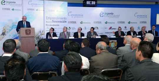 Entregan premios Ingenio Emprendedor en Infraestructura