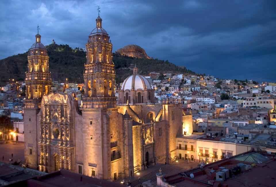 Presentan exposición fotográfica de Ciudades Patrimonio de México