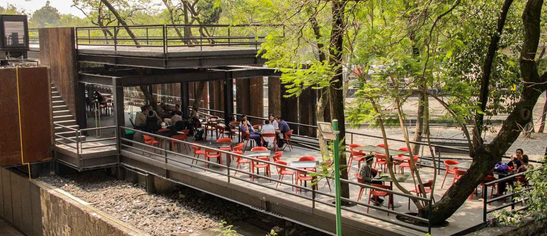 Reconocen arquitectura de la cafetería de la Facultad de Medicina de la UNAM