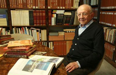 Reconocen trayectoria del arquitecto Enrique Cervantes Sánchez
